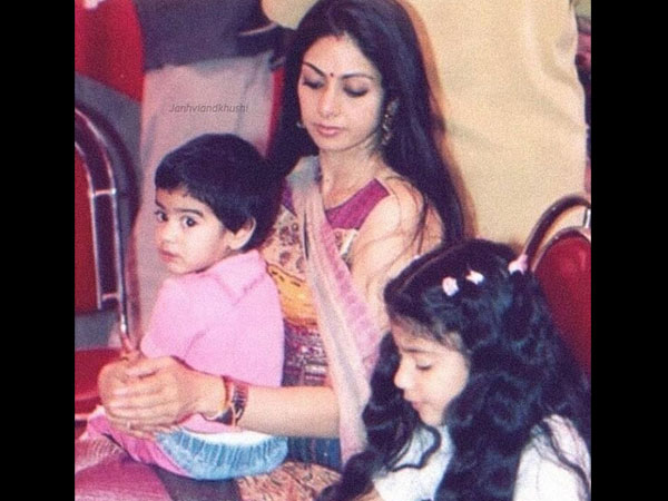 Gone Too Soon! This Throwback Picture Of Sridevi With Janhvi & Khushi Will Leave You Teary-eyed