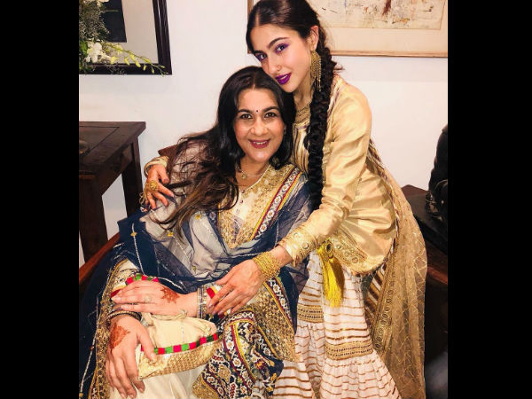 'Soni Kudi' Sara Ali Khan Has All The Boys Swooning Over Her New Pictures; Spotted With Amrita Singh