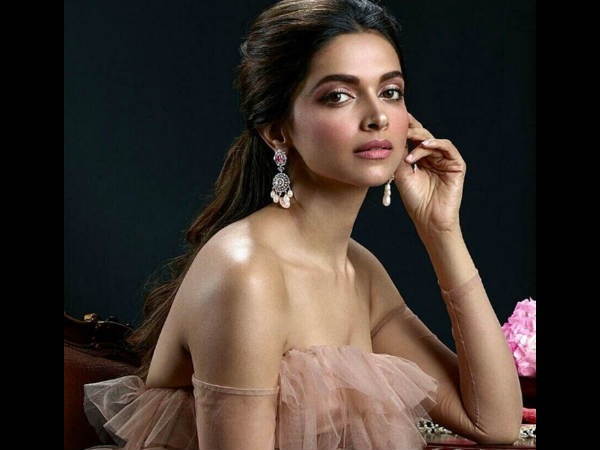 STRANGE! What's Keeping Deepika Padukone Away From Signing Multiple Films Post Padmaavat?