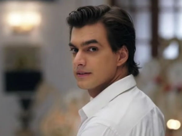 Kartik Throws Naira Out Of The House!