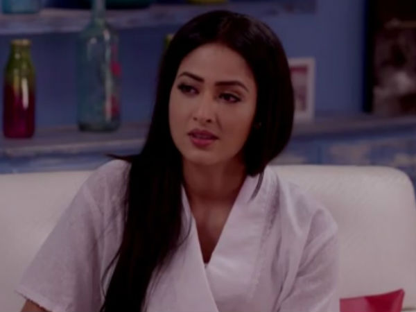 Roshini Rushes To Raman To Inform About Raid At Bhalla Office!