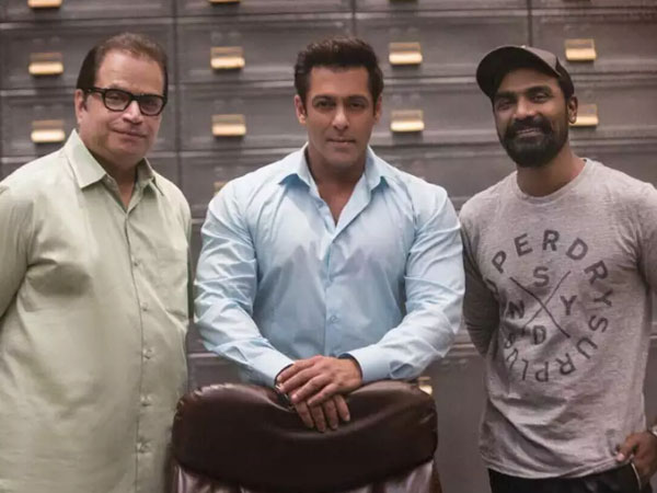 Finally! Salman Khan announces the trailer release date of Race 3