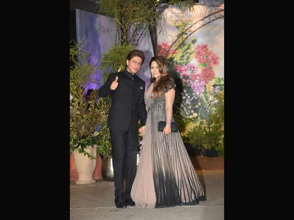 The Bachchans arrive at Sonam and Anand's wedding ceremony