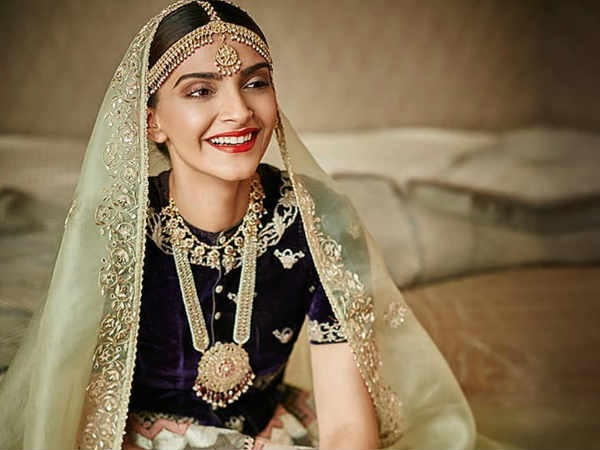 Sonam Kapoor - Anand Ahuja marriage: E-cards reveal wedding details