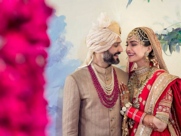 sonam-kapoor-anand-ahuja-thank-people-making-their-wedding-special