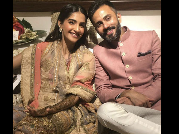 Wedding Picture: Sonam and Anand Are Married