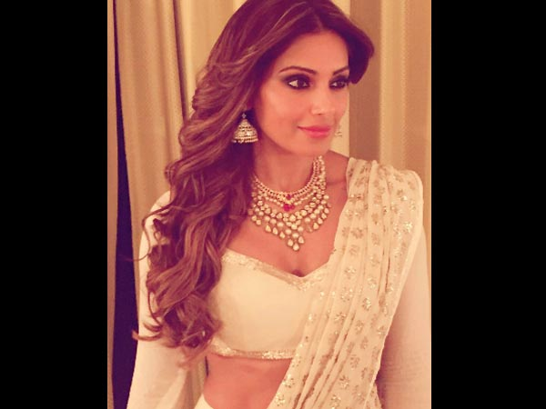 Bipasha Reveals Why She's Hospitalized