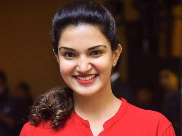 Malayalam Actress Honey Rose Reveals That Casting Couch Does Exist In The Film Industry!