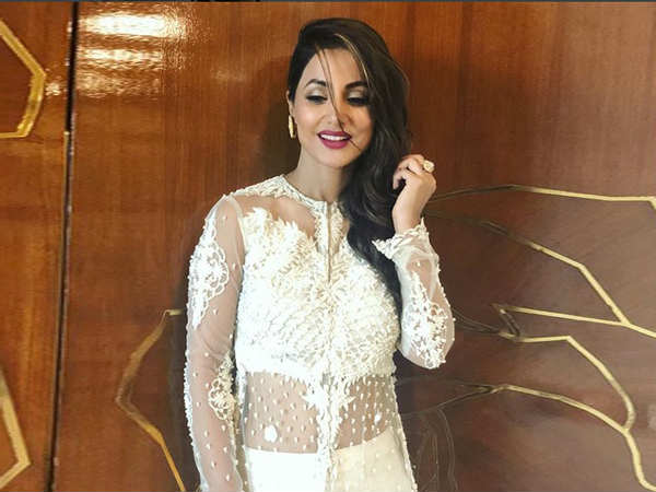 Hina Khan Targeted Again For Her Outfit At Baba Siddique S Iftaar