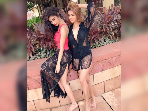 Aashka Calls Mouni Numbingly Gorgeous