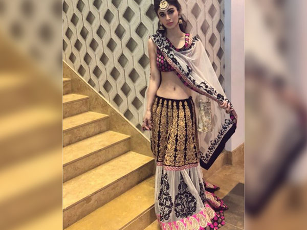 Fans Concerned About Mouni's Weight