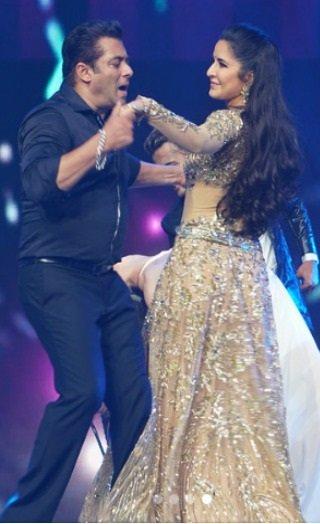 Da-Bangg Reloaded: Salman Romances Kat & Jacqueline!