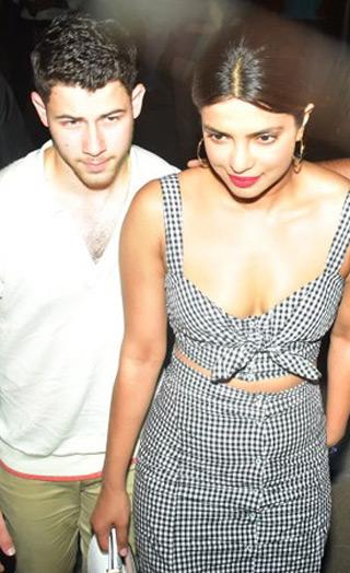 Priyanka & Nick Jonas Walk Hand-in-hand On Their Dinner Date