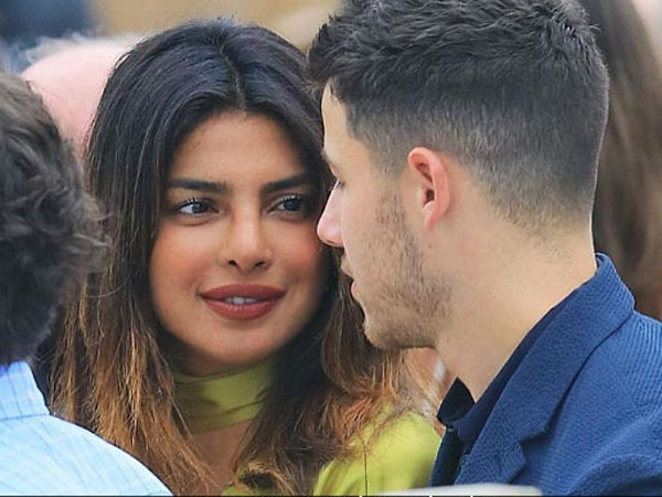 Priyanka Chopra & Nick Jonas To Opt For A Live-in Relationship!