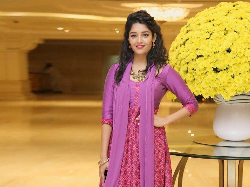 Best Actress Critics - Ritika Singh (Guru)