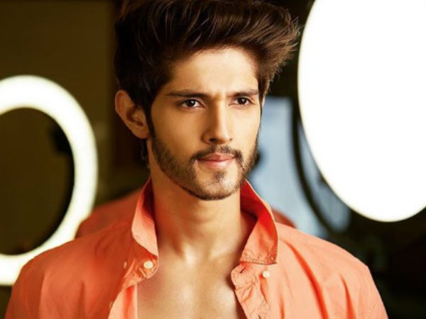 Yeh Rishta Kya Kehlata Hai's Rohan Mehra Lashes Out At Airline For Abusing His Female Co-Passenger!