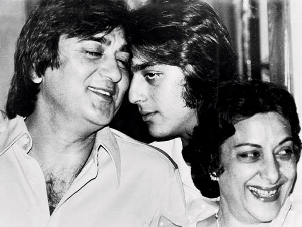 Sanjay's Reaction On Nargis Dutt's Death