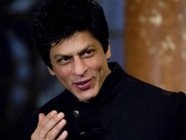 How Is Shahrukh Khan In Real Life, Arrogant, Full Of Attitude Or Humble? Fans Reveal The Truth