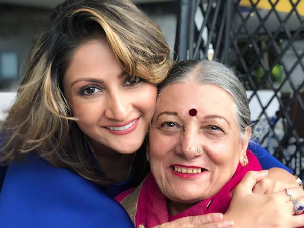 Urvashi's Lunch Date With Mom