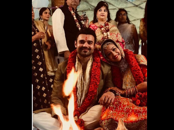 mithun-chakroborty-son-mahaakshay-chakroborty-marries-madalsa-sharma-first-wedding-picture-out