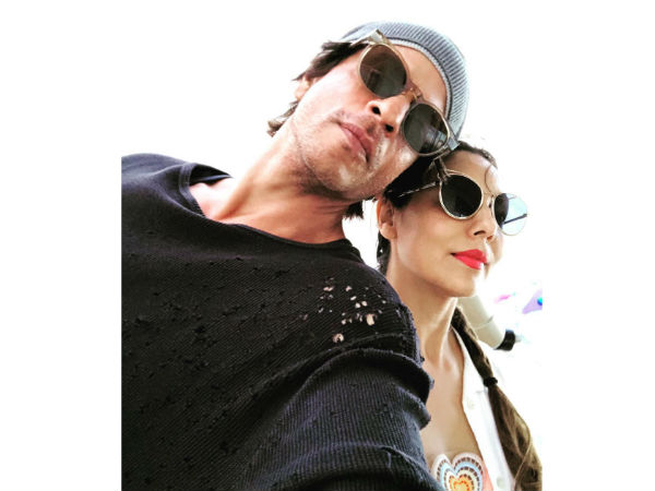 Shahrukh Khan Reveals Why He Got Married To Gauri Khan So Early, Lies About Smoking & Much More!