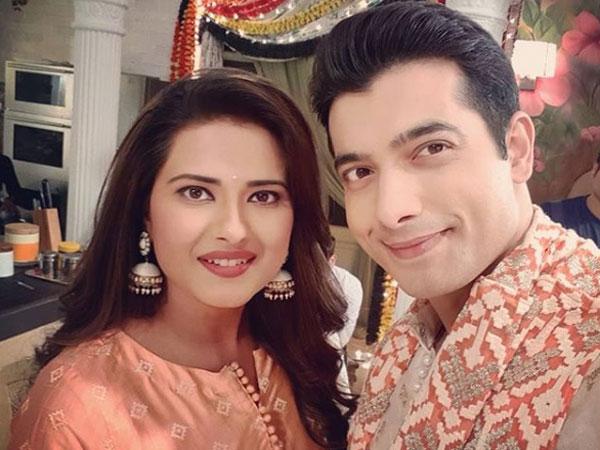 Kasam Tere Pyaar Ki: Sharad Malhotra & Kratika Sengar Share Pictures