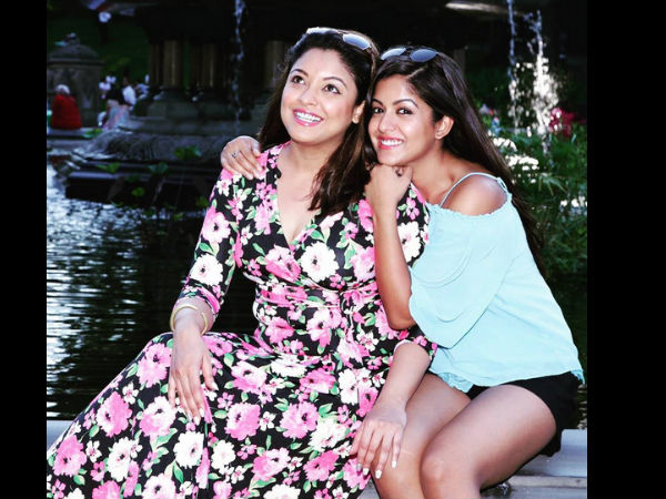 Tanushree With Her Sister Ishita
