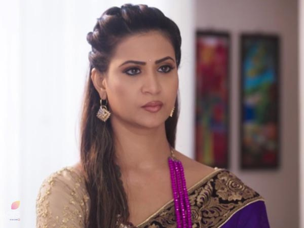 Did Anjana Kill Pooja For Betraying Her Son?