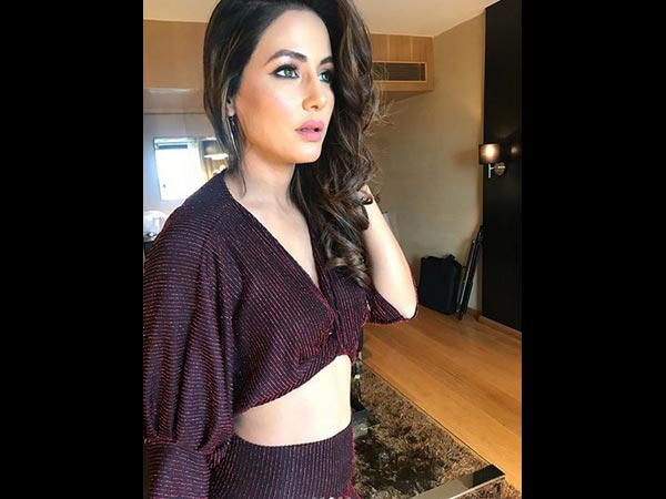 Hina Khan Trolled 'Hilariously' For Her Latest Airport Look; Fans Say 'RIP Fashion'!