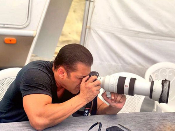 Why Salman Khan Has Turned Into A Photographer On The Sets Of Bharat?