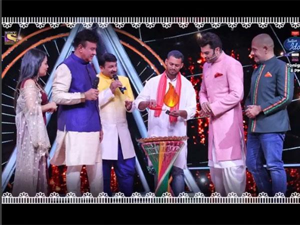 Indian Idol 10 Celebrates Colors Of India; Anu Malik Gives Salman Ali A Standing Ovation!