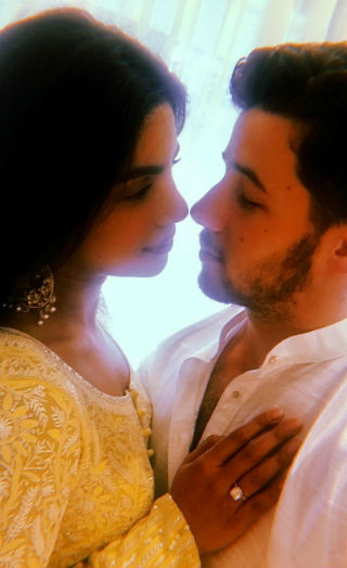 Priyanka Makes Her Engagement With Nick Official!