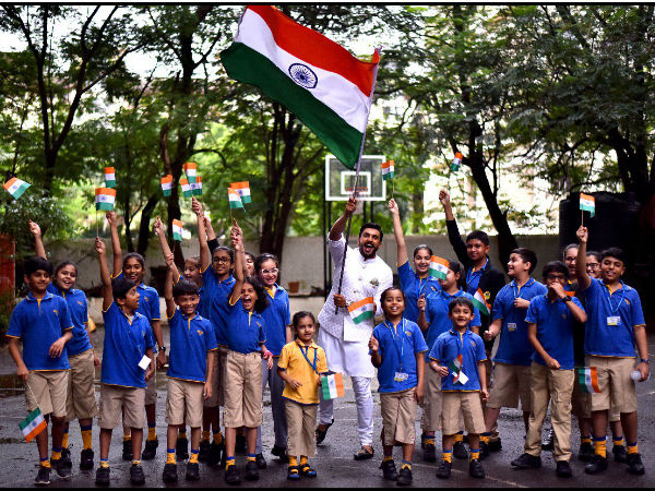 Salman Khan, Ranveer Singh, Sonam Kapoor, Amitabh Bachchan Wish Everyone A Happy Independence Day