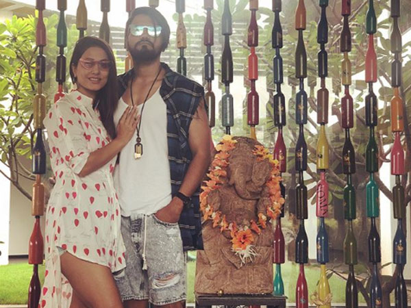 Hina Khan Slams Haters Who Trolled Her For Wearing Shoes Before A Ganesha Idol!