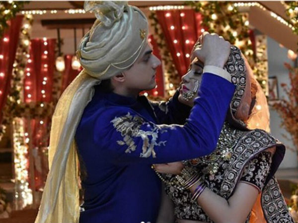 Yeh Rishta Kya Kehlata Hai Spoiler: Rukmini Steals Money From Mansi's Shagun; Kartik & Naira Remarry