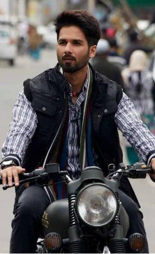 Batti Gul Meter Chalu Movie Review