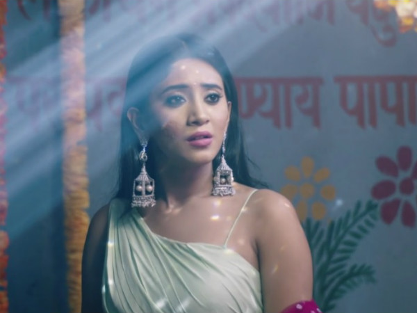 Kartik Meets Naira To Know Her Answer