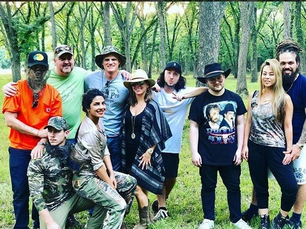 Priyanka Chopra Gets Cozy With Nick Jonas In Texas; Their Vacation Photos Look Too Much Fun!
