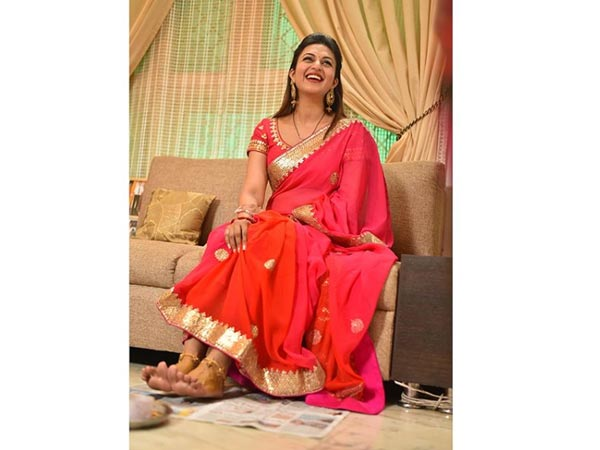 Divyanka Stuns In Red Saree