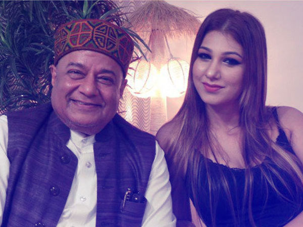 Anup Jalota Agreed To Be Jasleen Matharu's Partner In Bigg Boss 12 Over A Cup Of Tea!