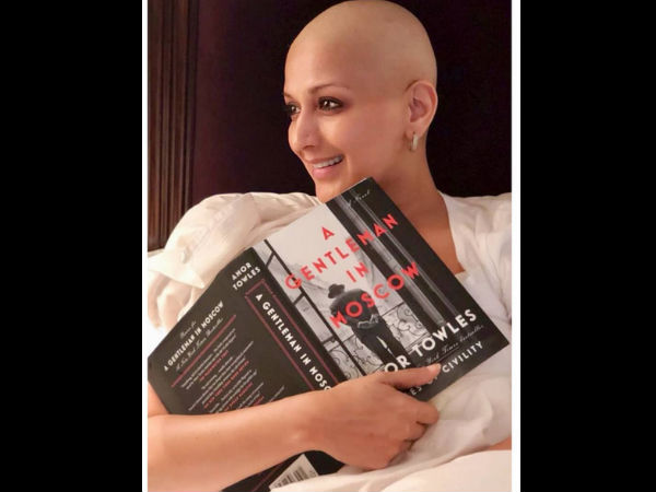 sonali-bendre-shares-her-new-pic-on-instagram-all-we-want-say-she-looks-beautiful