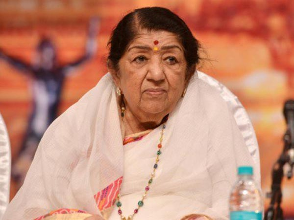 Lata Mangeshkar On #MeToo: A Working Woman Must Be Given The Dignity, Respect & Space She Deserves