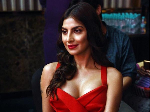 Ungli Actress Rachel White: Sajid Khan Asked Me About My B**bs ...