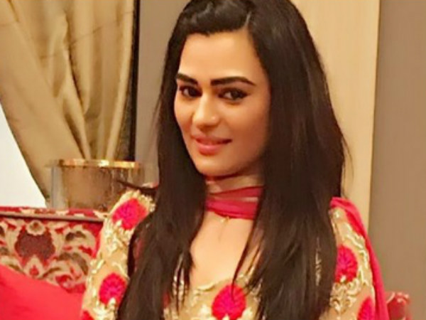 Kasam Actress Renee Dhyani Reveals A Lead Actor Asked Her To S**K Pointing At His Cr*tch!