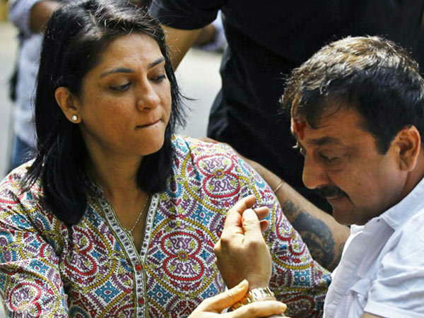 Sanjay Took A Potshot At Priya Dutt For Insulting Maanayata