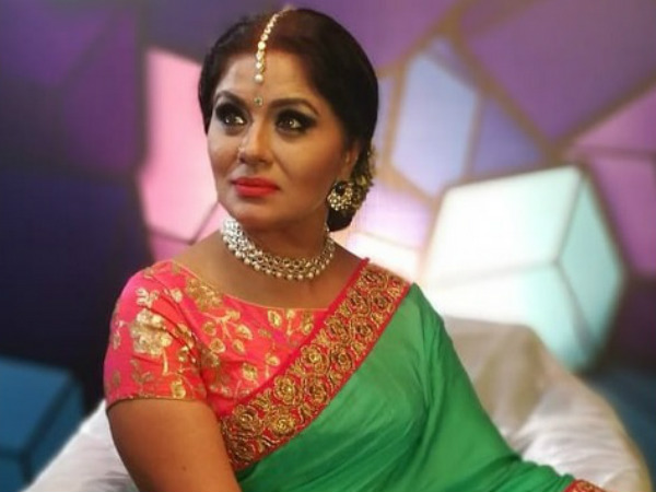 Sudha Chandran Dancing In front Of Sabrimala Steps Goes Viral; The Actress Reveals The Truth!
