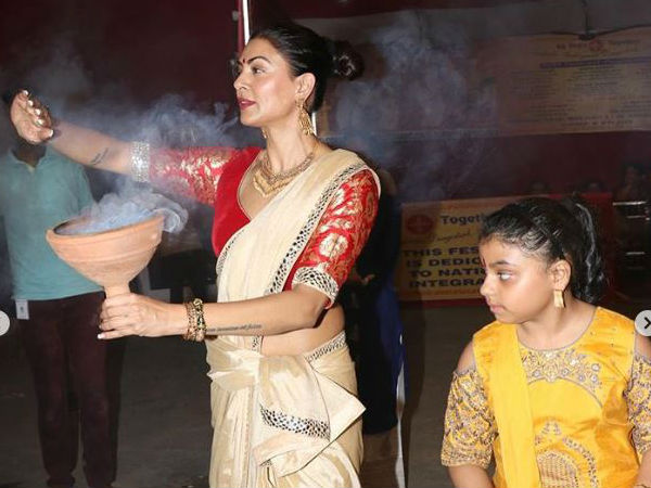 Durga Ashtami: Priyanka Chopra, Akshay Kumar, Sushmita Sen & Others Spread The Festive Joy