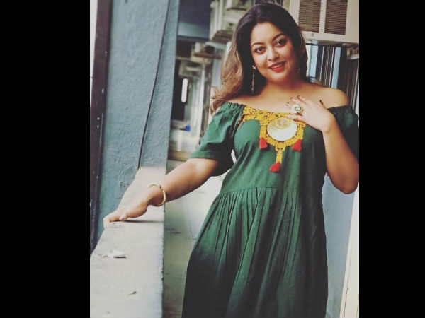 Tanushree Dutta's auto being vandalised by alleged goons