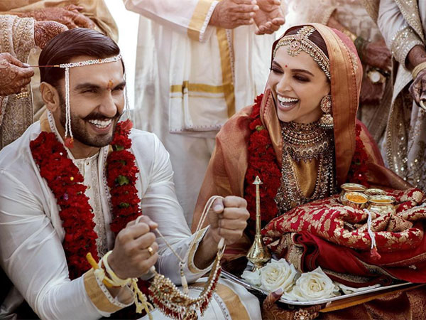 First Official Photos From Ranveer Singh-Deepika Padukone's Wedding Out & We Are Love-struck!