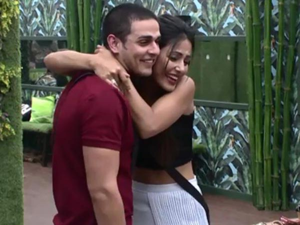 Hina Khan Voices Her Opinion On The Ongoing Priyank-Divya Controversy; Calls Him 'Kameene'